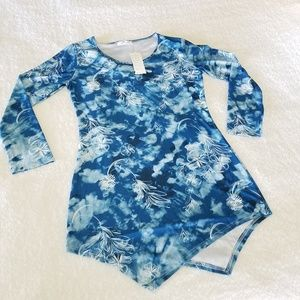 NWT Blue and white tunic